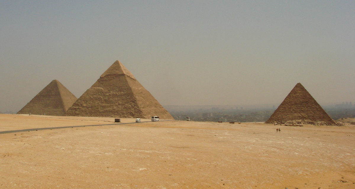 Bucket List Friday – Visit the Ancient Pyramids of Giza