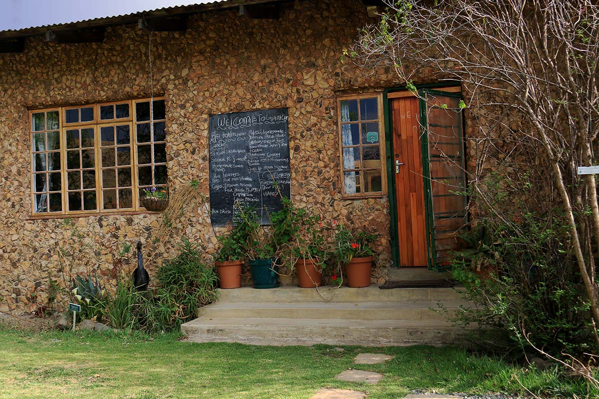 Giant's Cup Cafe and Crafts, Sani Pass Backpackers