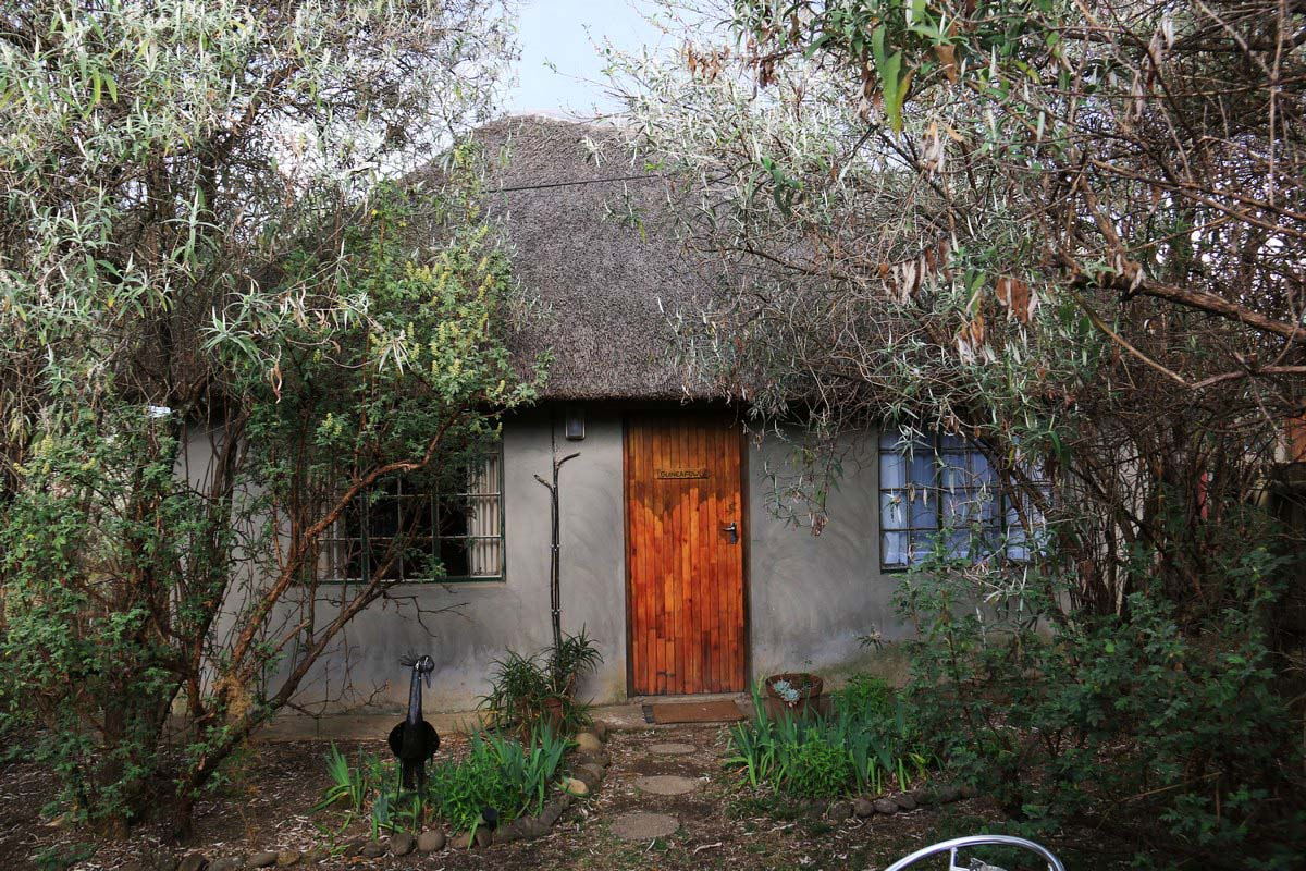 Guinea Fowl Cottage, Sani Pass Backpackers